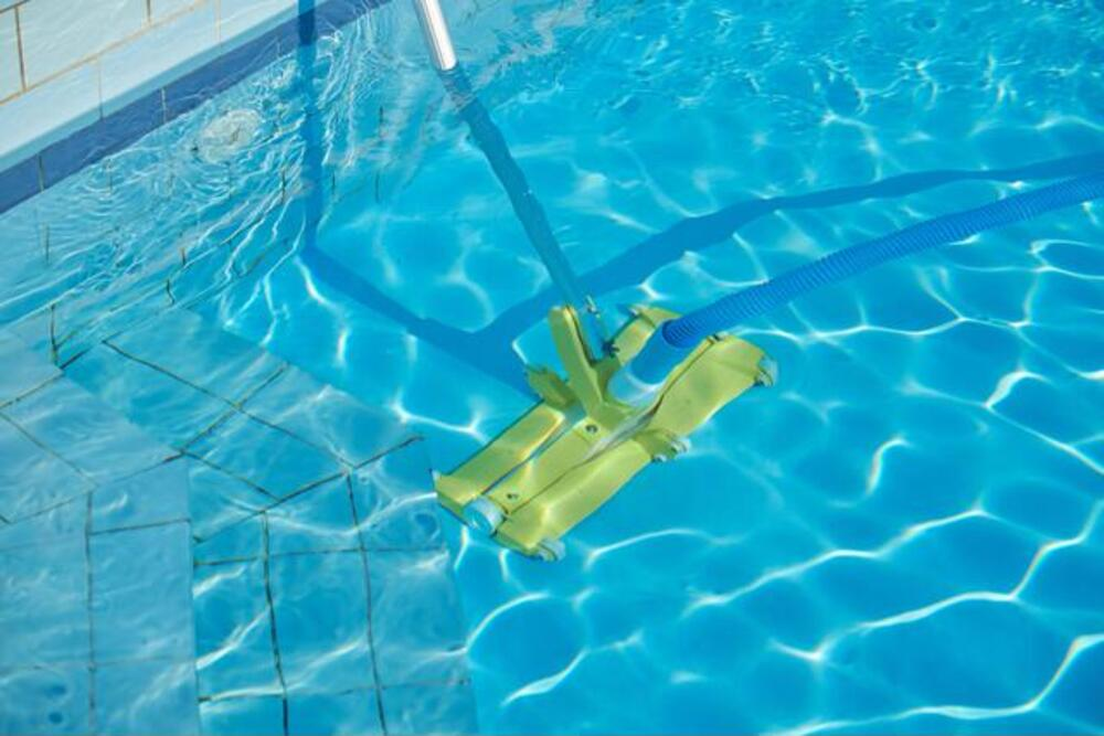 The Best Pool Vacuum for Leaves
