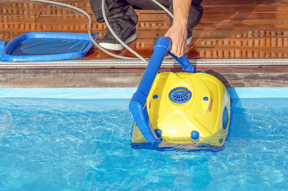 What Is The Best Pool Vacuum for Dirt